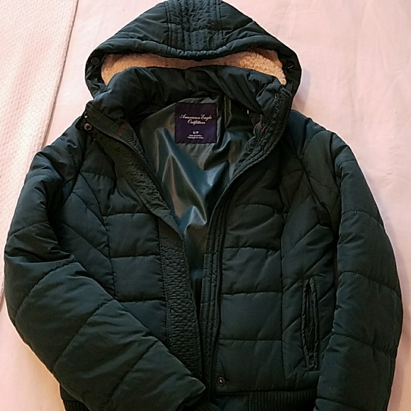 26b93ac1 Green American eagle puffer jacket - Women's S